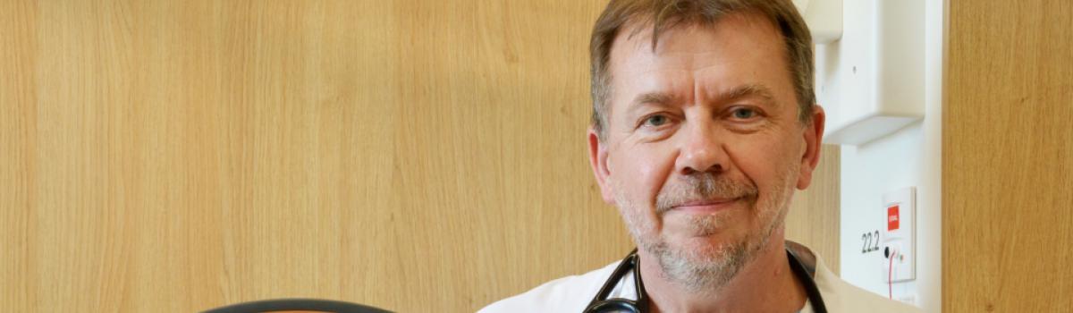 Overlæge Ejvind Frausing står bag iltrobotten, der skal hjælpe lungepatienter