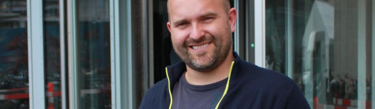 En vild rejse og et brev fra Bispebjerg Hospital blev startskuddet til en bedre astmatilværelse for Mike Wenøe.